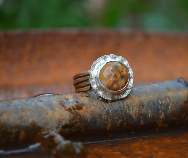Handgemaakte ring met crazy lace agaat