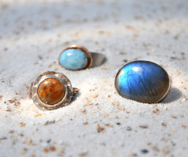 Handgemaakte ringen met edelsteen