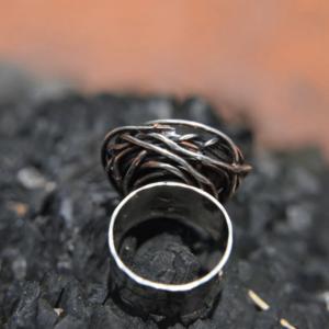 Aparte zilveren ring met crazy lace agaat