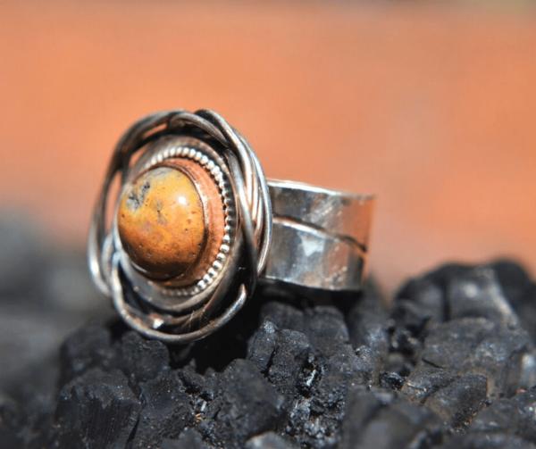 Zilveren handgemaakte ring met crazy lace agaat