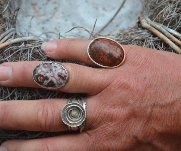 Handgemaakte ringen met jaspis en agaat