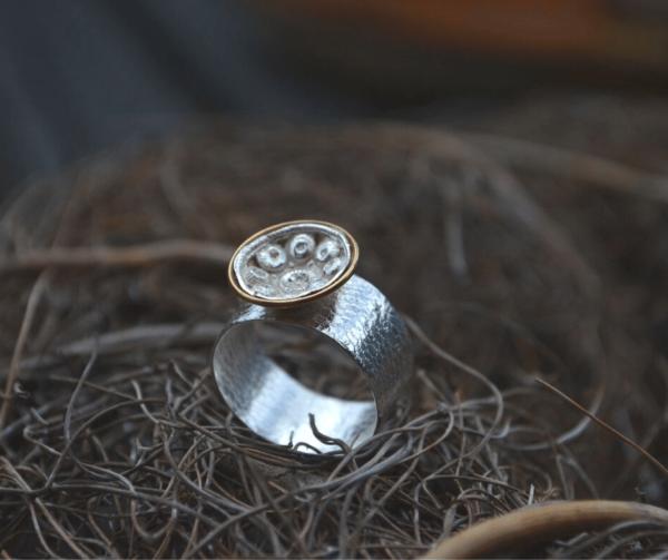 Ring van zilver met zeeuwse knoop