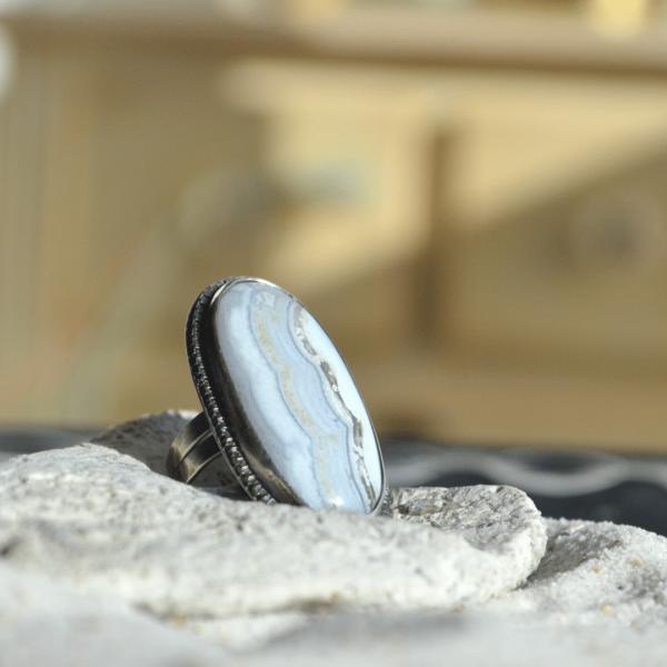 Zilveren ring met witte agaat handgemaakt