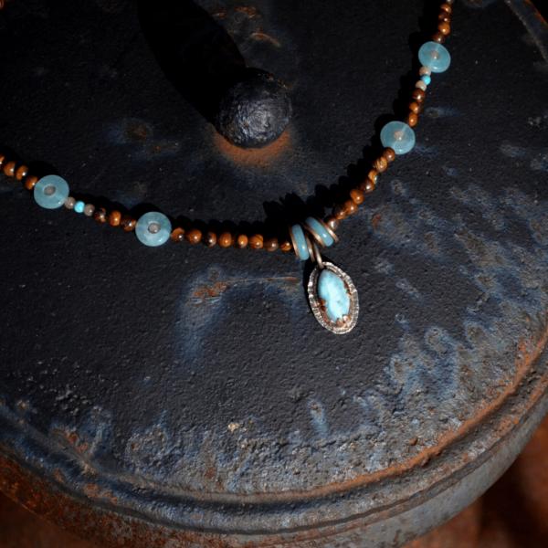 halssieraad met Larimar, tijgeroog en blue sponge quartz handgemaakt