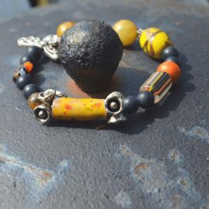 Armband met keramiekkraal