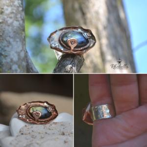Aparte, grote ring met multicolor Labradoriet