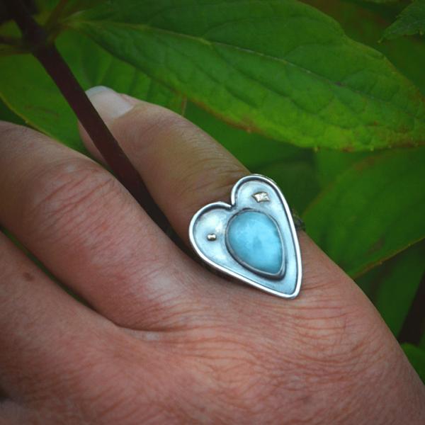 """Ring """"heart' van zilver met goud en Larimar"""