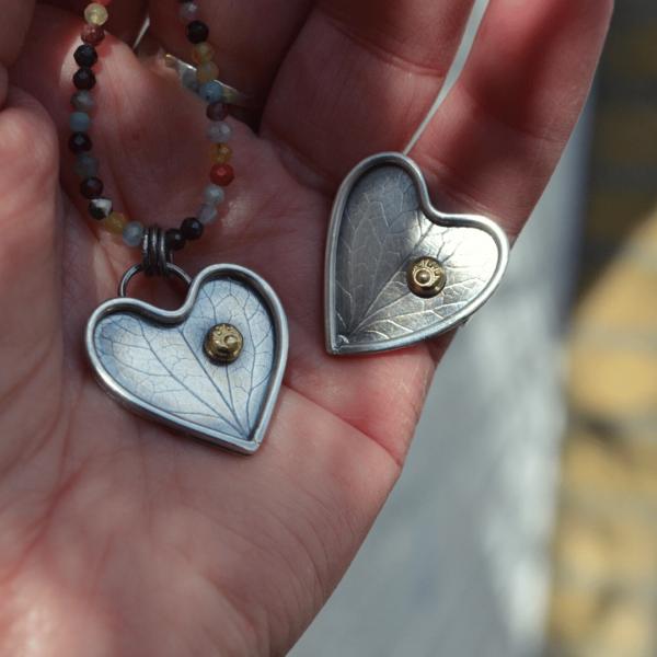 Handgemaakte hanger en ring van zilver --let your heart shine--