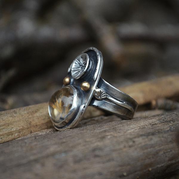 Unieke ring handgemaakt van zilver met echte paardenbloem zaadjes