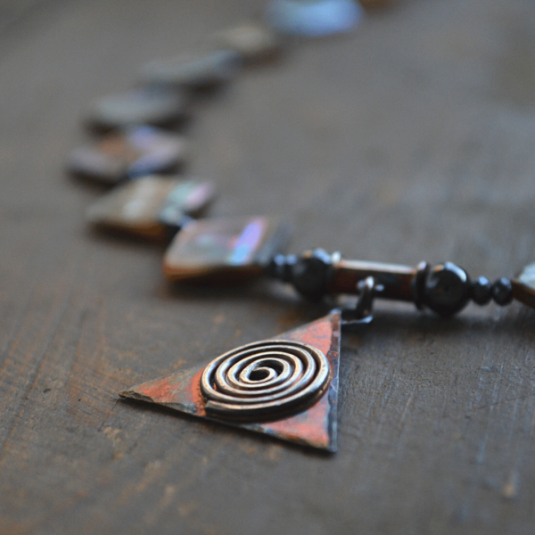 Halssieraad van Abaloneschelp en handgemaakte hanger van zilver